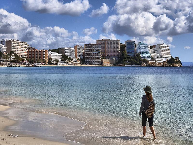 Изображение Прогулка по пляжу Магалуф, Майорка