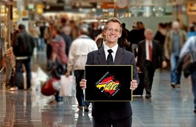 Трансфер на Майорке, встреча с табличкой в аэропорту
