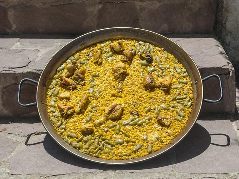 Фото Паэлья по-валенсийски - традиционная еда Испании и Майорки