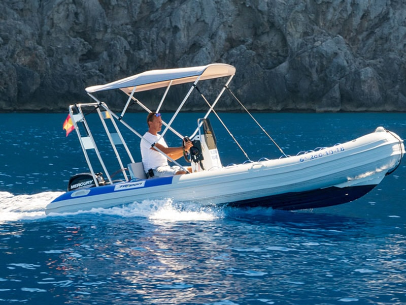 Boat rental without a license in Port Soller